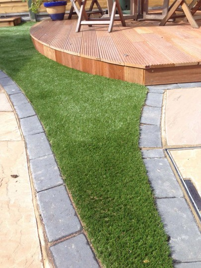 hunts-namgrass-elise-artificial-lawn-guildford-3