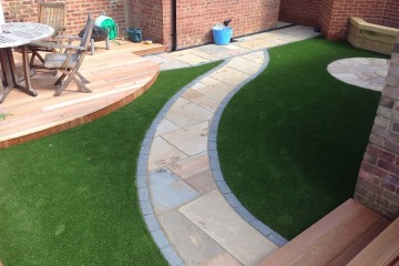 hunts-namgrass-elise-artificial-lawn-guildford-360x240 Projects